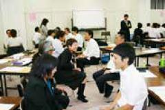ファシリテーションとチームコーチング(本音を語り合える会議づくり)