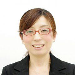 株式会社まなぶ 専務取締役 八木 由美 様